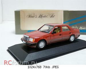 Minichamps 3203 Mercedes-Benz 230E.jpg