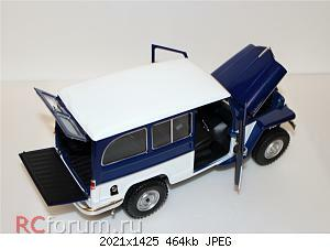 Jeep Willys Station Wagon (1955) 1 18 Lucky Diecast 07.JPG