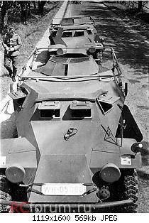 Нажмите на изображение для увеличения Название: 2 Sd.Kfz. 223 (Fu) vehicles lined up on a road.jpg Просмотров: 6 Размер:569.2 Кб ID:5082016