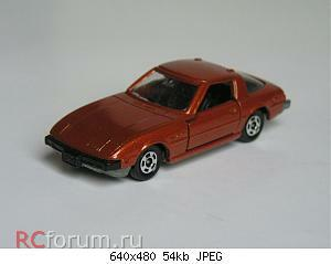 #50 Mazda RX-7 Savanna met.brown 003.jpg